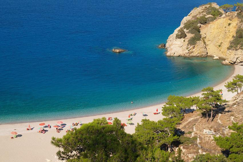 exotic-beach-with-rocks-in-karpathos-blog-post-venezia